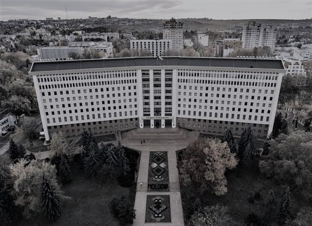O nouă putere la Chișinău. Nu chiar